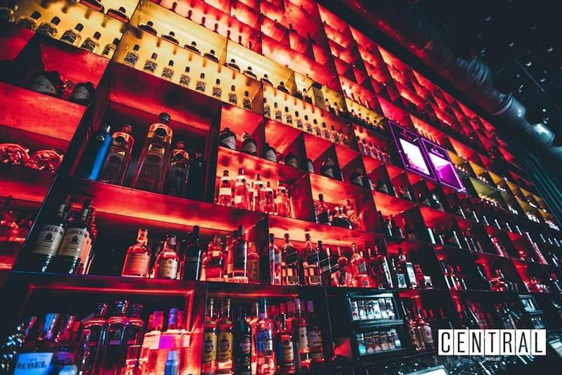 Pub crawl in Split