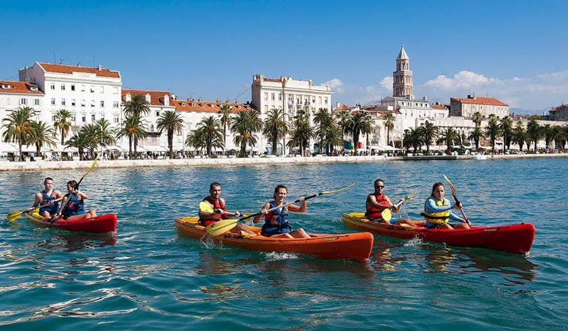 split-sea-kayak-tour